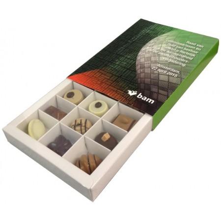 https://frezon.nl/media/catalog/product/1/5/15_handgemaakte_bonbons_in_logodoosje.jpg